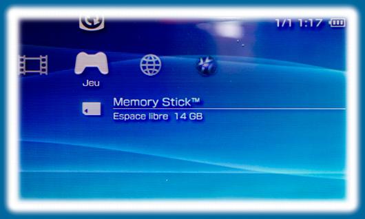Visuel qui montre l'emplacement de la carte mémoire sur la PSP